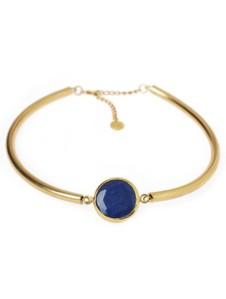 Lite Fab! Stelt halsband av 22K. guldpläterad mässing med blå sten.