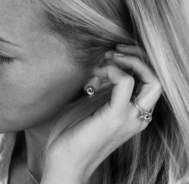 knot-earrings-silver