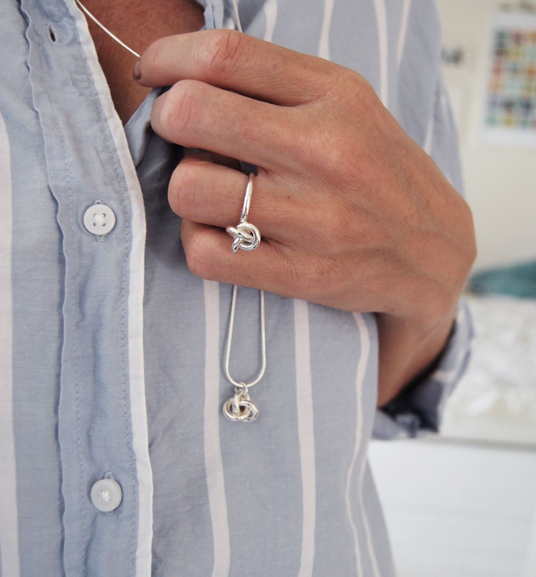 ring knut silver,design